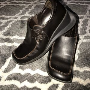 Size 8 comfy leather casual or trouser shoe